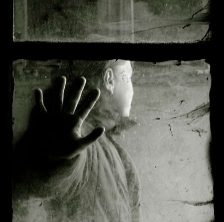 Window-emotions-in-black-and-white2
